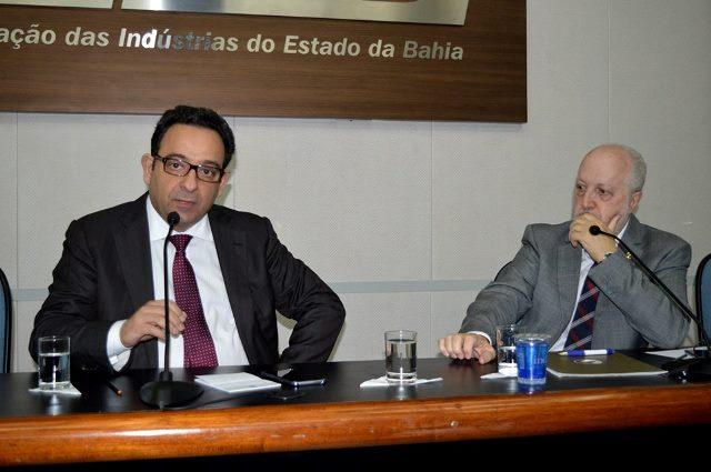 O presidente da Fenacon, Mário Berti (à dir.) e o diretor da Fenacon Sérgio Approbato
